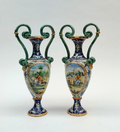 Paire de vases à anses en faience émaillée...