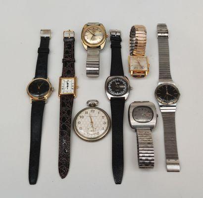Lot de montres bracelets d'homme en métal...