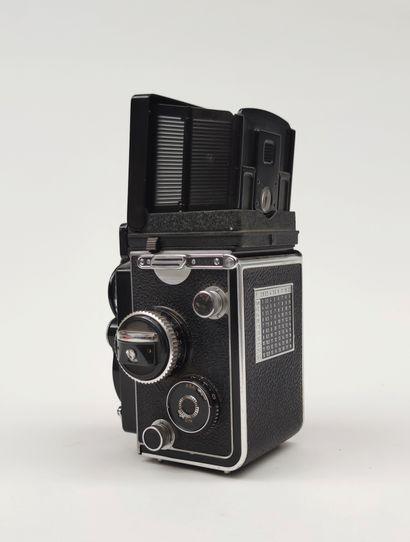 APPAREIL PHOTO 6x6 de marque ROLLEIFLEX, objectif Carl ZEISS, Planar 1: 3.5 F :...