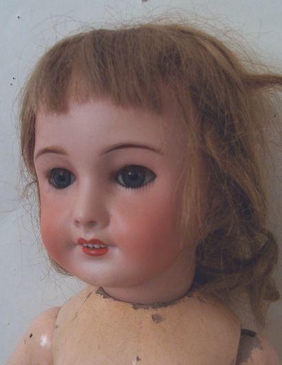 Bébé de la SFBJ, tête en biscuit coulé, moule 301, bouche ouverte yeux dormeurs...