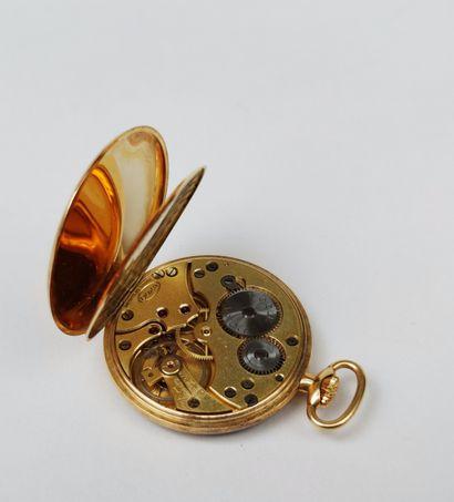 MONTRE de poche, le boitier et le cache-poussière en or jaune 750°/°°, mouvement...
