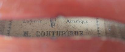 VIOLON entier portant l'étiquette MR COUTURIEUX 36 cm , longueur total 58.5 cm(usures...