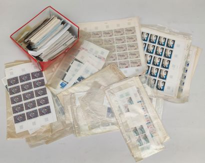 28 Stamps albums France Classic, SM and Modern including Pdg, Crossing the Atlantic,...