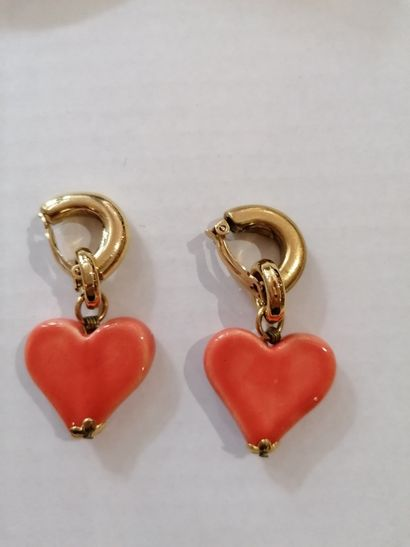 Pierre Balmain - (années 1970)  Paire de clips d'oreilles futuriste en métal doré...