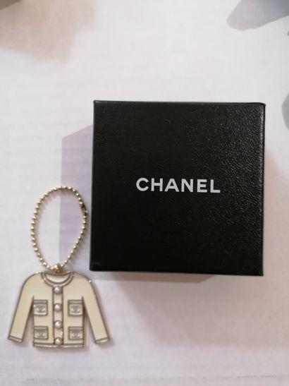 Georges Desrue pour Chanel - (années 1980)  Bracelet ruban souple en métal doré...