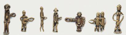 MODULE réunissant sept pendentifs personnage...