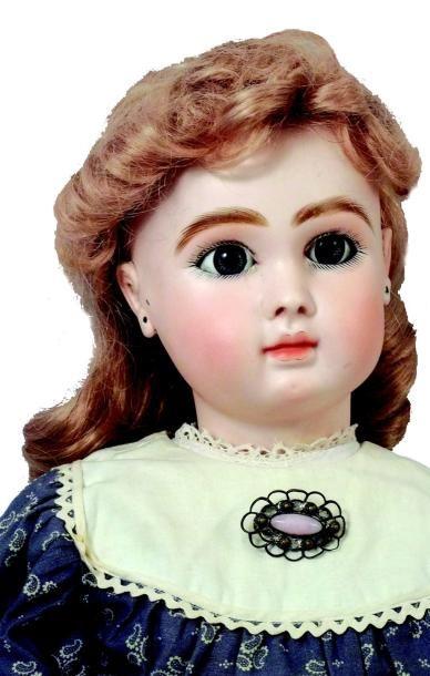 Bébé Jules Nicolas STEINER, tête en biscuit pressé, bouche fermée, yeux mobiles...