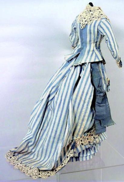 Ensemble de trois pièces rayé en coton rayé bleu et blanc pour poupée parisienne...