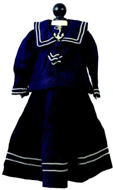 Robe de grande poupée parisienne, deux pièces...