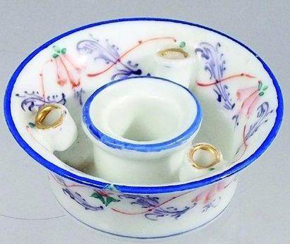 Encrier rond en porcelaine de Paris avec...