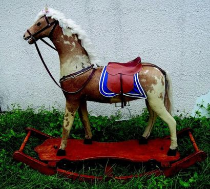 Grand et beau cheval à bascule avec bascule...