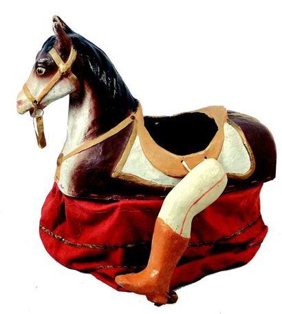 Cheval jupon en carton moulé (circa 1890)L...