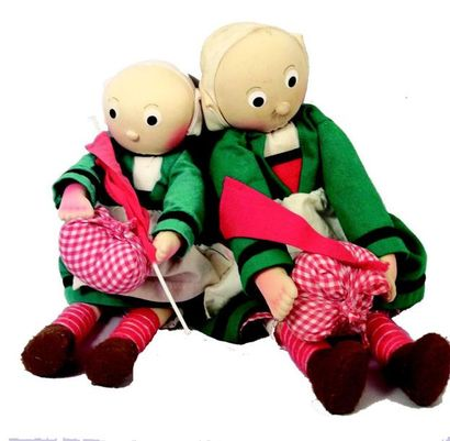 Deux poupées en tissu bourré BECASSINE. H...
