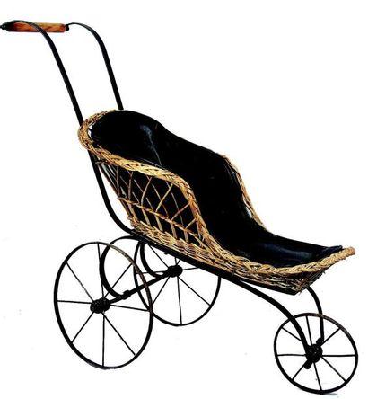 Voiture de poupées à trois roues avec siège...