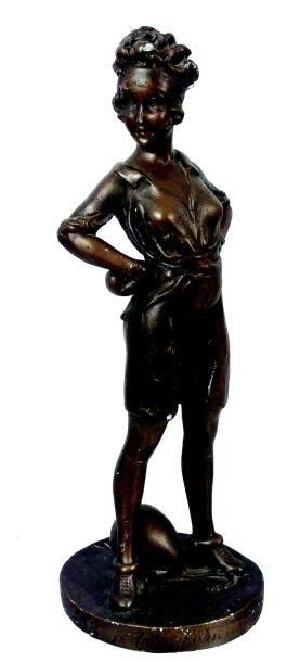 «La P'tite Femme de Sport» figurine artistique...