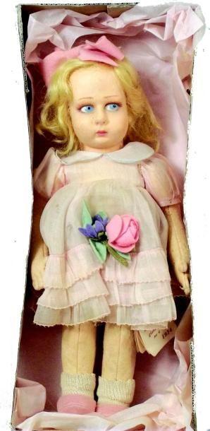 Petite poupée en feutrine de fabrication...