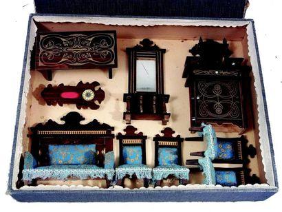 Salon de poupée en palissandre avec décor...