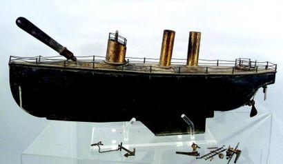 Bateau mécanique de fabrication allemande...