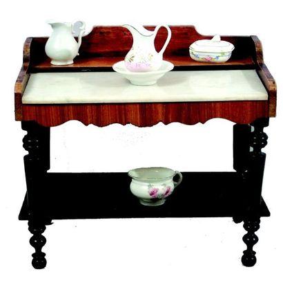 Belle table de toilette en bois ciré et noirci...
