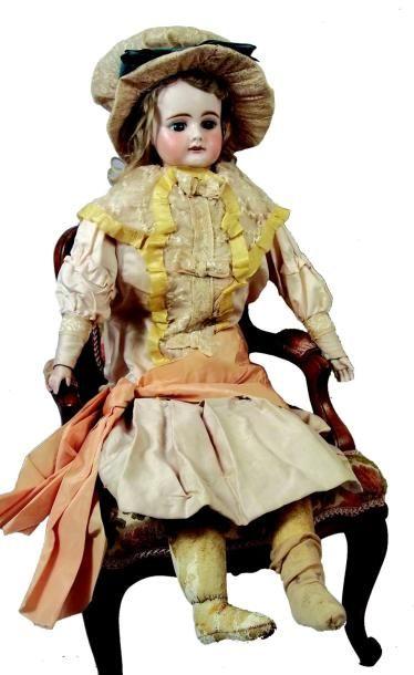 Grande poupée de fabrication allemande à...