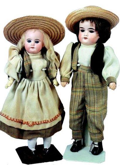 Couple de bébés allemands de la maison Armand...