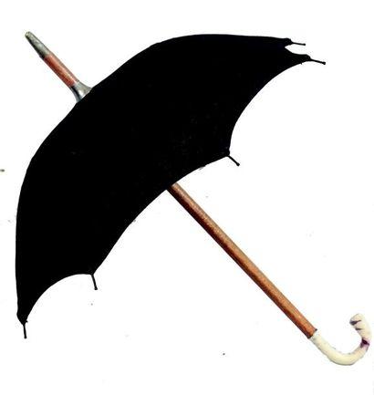Très beau parapluie de bébé avec toile noire,...