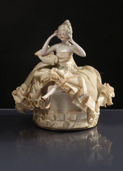Travail Français - (années 1920) Boite à poudre cylindrique forme tambour en carton...