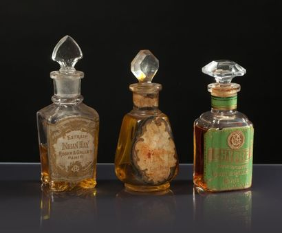 Roger & Gallet «Extrait Indian Hay», «Chypre», «Essence Aromis» - (1920) 3 flacons...