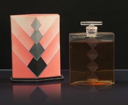 Roger & Gallet «Feu-Follet» - (années 1930) Présenté dans son coffret carton moderniste...
