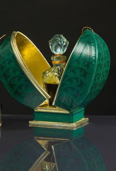 Parfumerie Russe - (années 1960) Coffret...