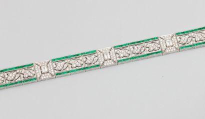 Bracelet ruban en or gris 750°/00 (hibou)...