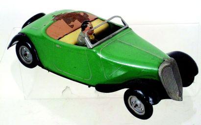 Voiture mécanique décapotable avec chauffeur...