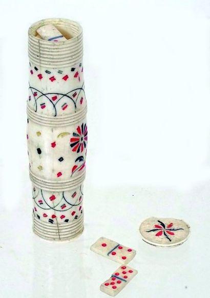Jeu de dominos miniature dans un tube en...