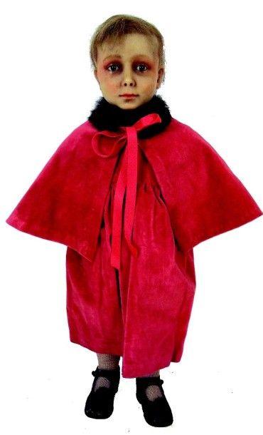 Petit mannequin d'enfant de 3 à 4 ans avec...