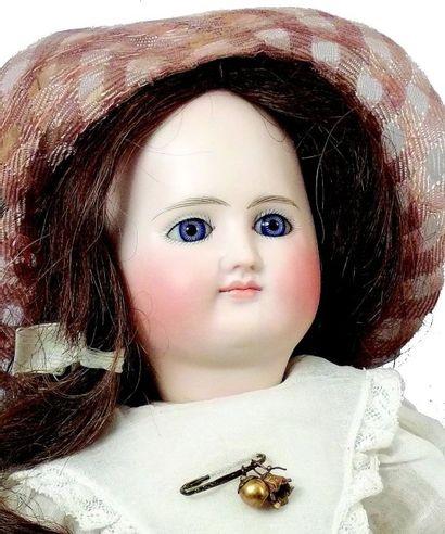 Rare Bébé articulé avec tête en biscuit coulé, bouche fermée, yeux fixes bleus en...