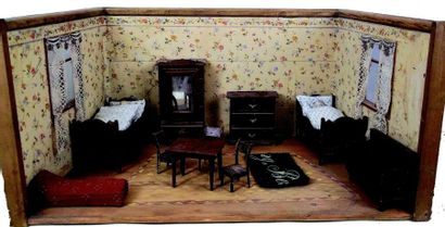 Grande chambre de poupée en bois de forme...
