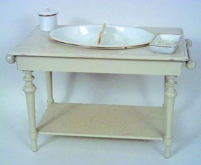 «Table de toilette» en bois peint de fabrication...