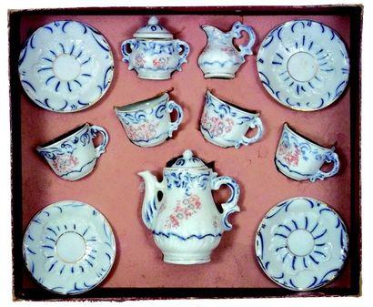 Service à thé en porcelaine pour poupée parisienne...