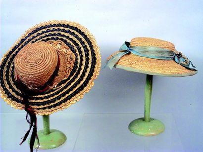 Deux chapeaux de paille pour poupées parisiennes....