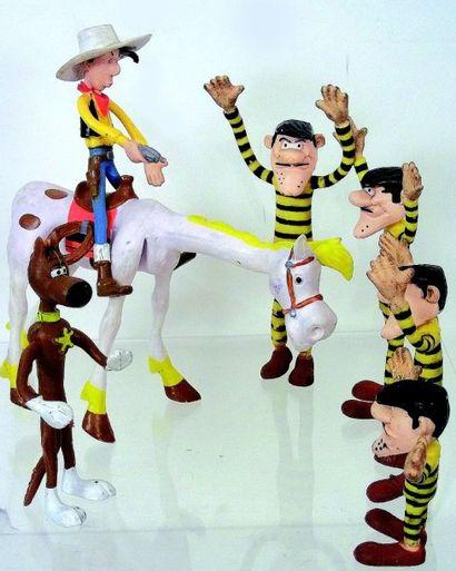 Figurines en caoutchouc représentant ?LUCKY...