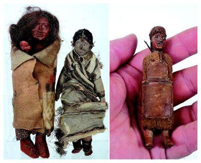 Ensemble de trois poupées ethniques comprenant:...