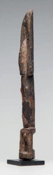 Dogon/Tellem, Mali. Statue masculine bras...