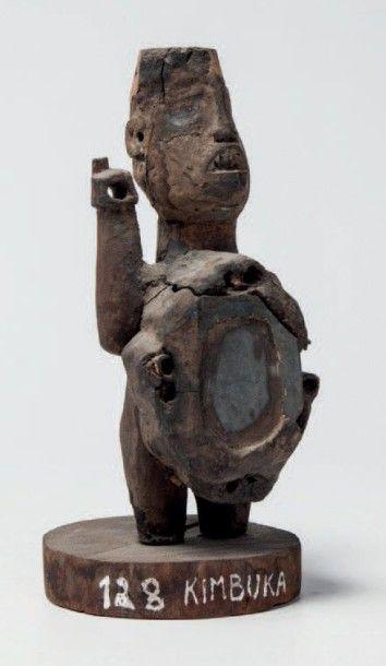 Bakongo RDC. Fétiche à miroir avec un bras...