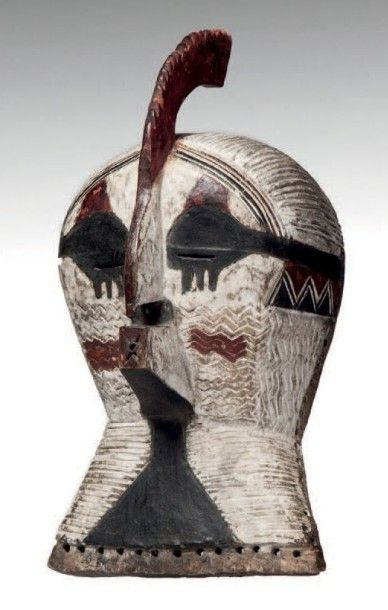 Songé, Congo RDC. Masque Kifwébé polychrome...