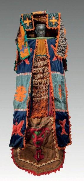 Yoruba, Nigéria. Grand costume de danse «Egungun»...
