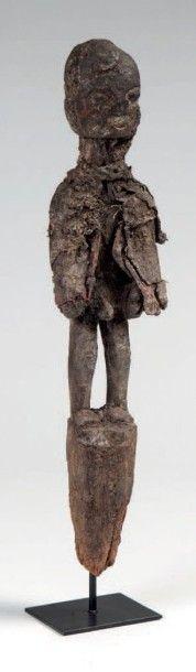 Fon ou Nago, Bénin. Statue-piquet de protection...