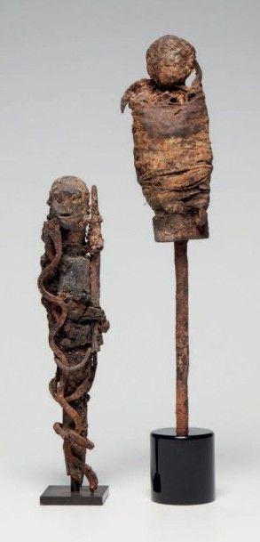 Fon, Benin. Deux statues de protection Vaudou...