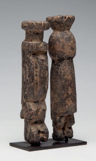 Dogon, Mali. Petit couple de «Nomo», ancêtres...