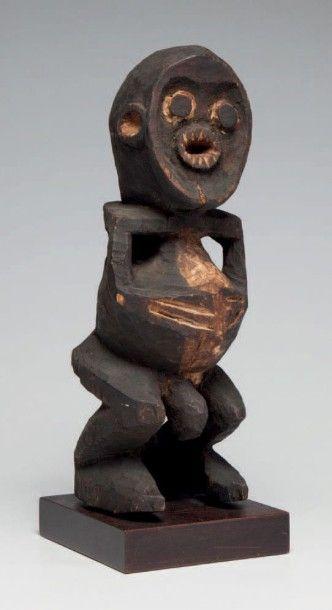 Mambila, Cameroun. Statue masculine à visage...