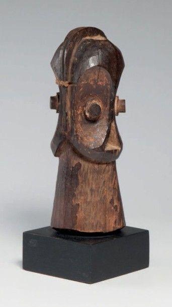 Wabembé, R.D. Congo, tête janiforme en bois...